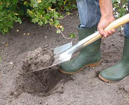 Vos espaces verts en terre argileuse for Employer espace vert