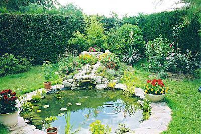 bassin de jardin rond bassin de jardin. Black Bedroom Furniture Sets. Home Design Ideas